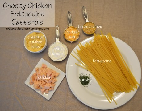 Easy Cheesy Chicken Fettuccine Casserole - just a few easy ingredients - awesome recipe
